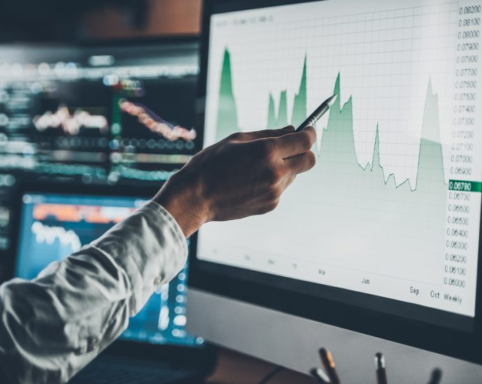 How to pick the reliable trading platform?